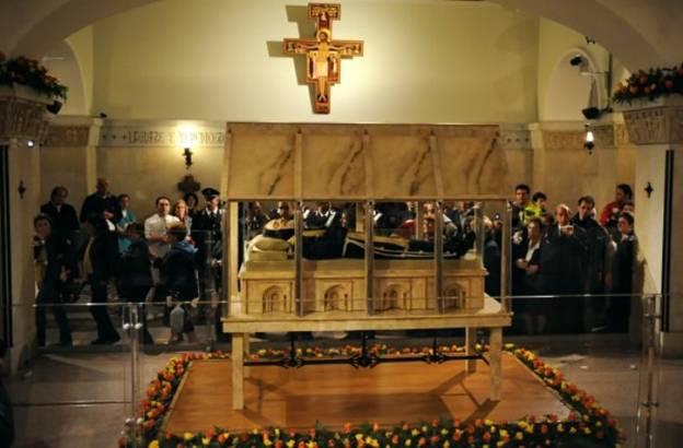 Thánh Piô 5 dấu tại Ý nguyên vẹn xác - Ảnh minh hoạ 11